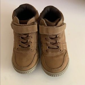 Boots size 8 Children's Place